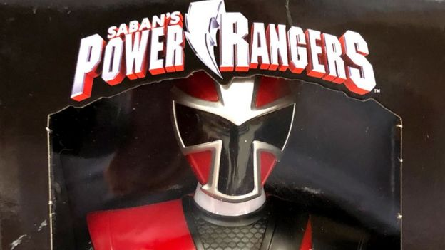 Muñeco Power Ranger en caja