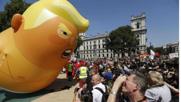 balão baby Trump
