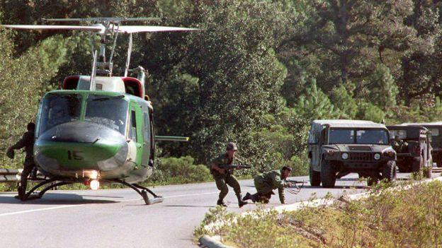 Ejército mexicano durante el levantamiento zapatista de 1994