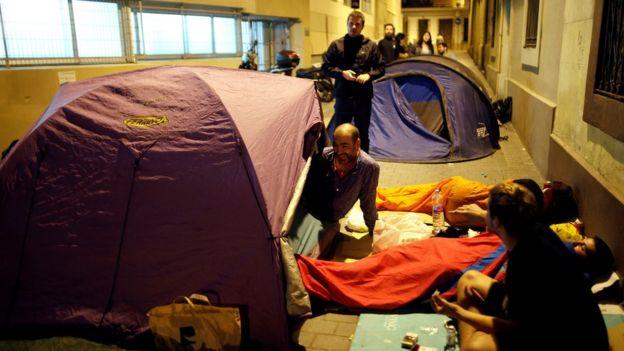 Активисты провели ночь в школах, где оборудованы участки для голосования