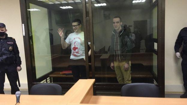 подсудимые Виктор Филинков и Юлиан Бояршинов