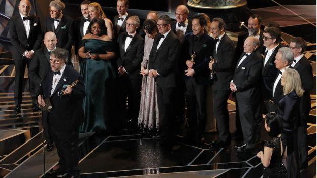 Guillermo del Toro e a equipe de A Forma da Água