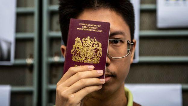 Governo britânico prometeu cidadania e visto para milhões de moradores de Hong Kong
