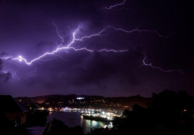 storm ali warning of dangerous 80 mph winds bbc news