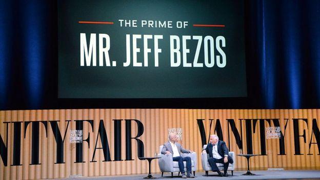 Acto de Vanity Fair en el que Jeff Bezos es el invitado