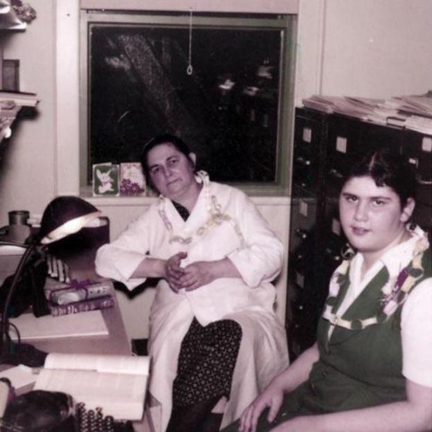 Miriam Menkin y su hija Lucy.