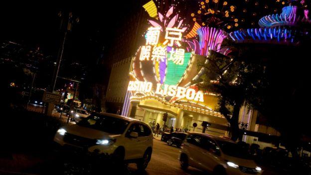 葡京賭場正門(BBC中文資料圖片)