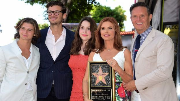 Roma Downey Londonderry Born Actress Dedicates Hollywood Star To