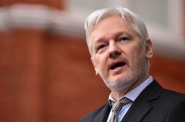 Assange continúa en la embajada de Ecuador en Londres.