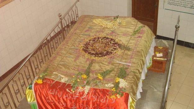 بہادر شاہ ظفر کی قبر