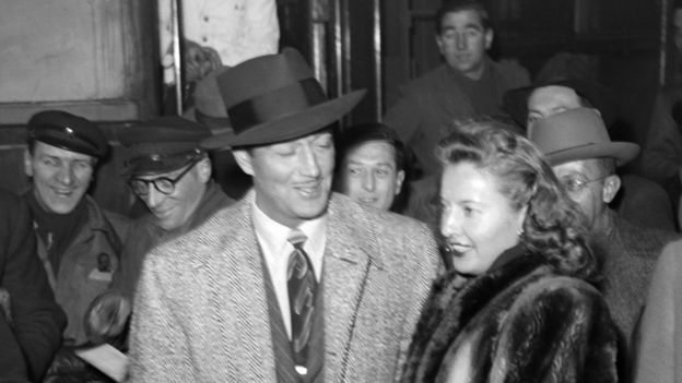Американский киноактер Ричард тейлор с женой в Париже (февраль 1947 года)