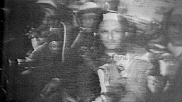 """Американский и российский экипажи на борту """"Аполлона"""" во время совместного полета в 1975 году"""