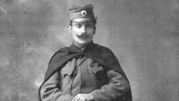 Бил ли лейтенант Танкосич Черчилля?