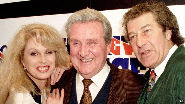 Macnee, centre, with Joanna Lumley and Gareth Hunt