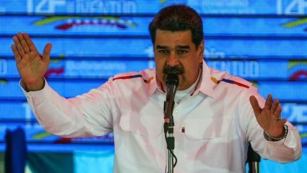 Nicolás Maduro acusa a Guaidó de encabezar un intento de golpe de Estado.
