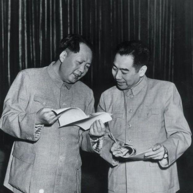 中共第一代领导人毛泽东和周恩来