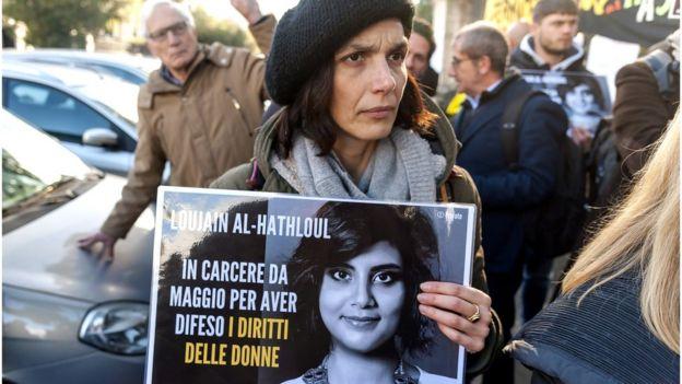 Pengunjuk rasa di Roma, Italia.