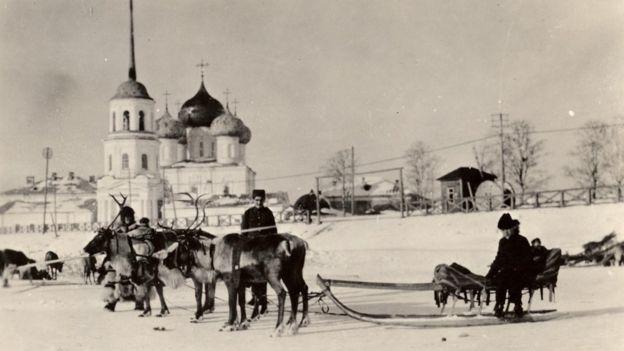 Los trineos y los renos eran uno de los medios de transporte para los soldados.