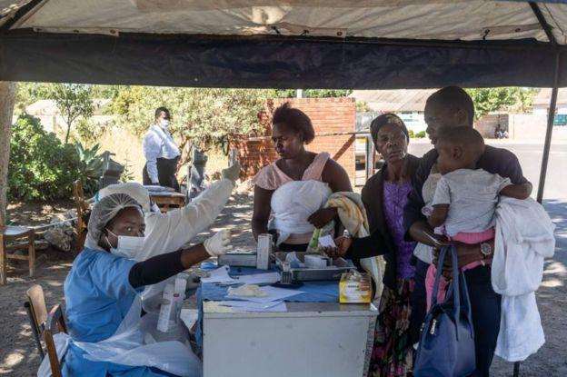 процесс вакцинации в зимбабве