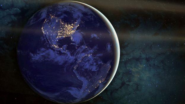 Continente americano iluminado.