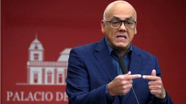 İletişim Bakanı Jorge Rodriguez'in Oslo'da görüşmelere katılan kişilerden biri olduğu belirtiliyor