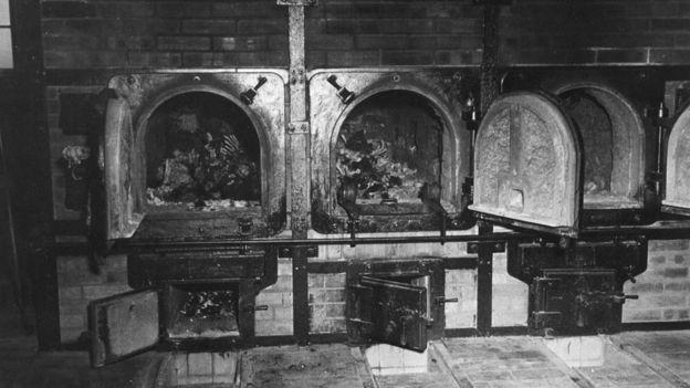 Crematorio en campo de exterminio nazi