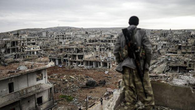 YPG, ABD öncülüğündeki koalisyonun hava desteğiyle IŞİD'in Kobani saldırısını püskürtmüştü.