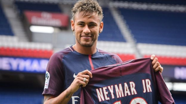 Neymar Jr. alipojiunga na Paris Saint-Germain
