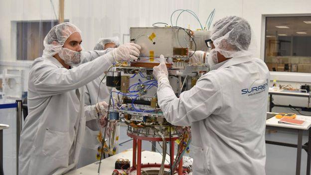 Técnicos preparan el DSAC