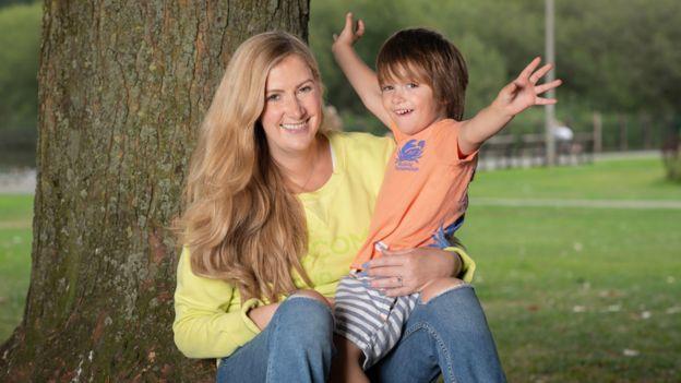 Rachael Bland y su hijo Freddie