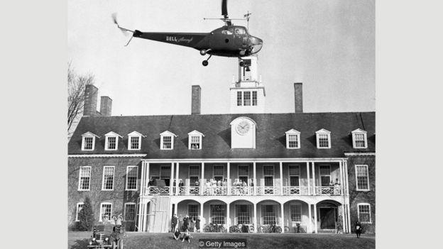 Buscas por Paula Jean Welden, incluindo sobrevoos de helicóptero