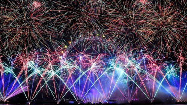 London Celebrations  _105021206_hi051392360