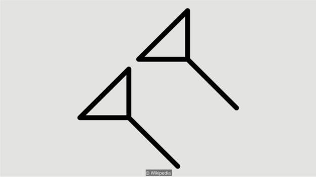 Đối với người Babylon, hai ký tự hình phi tiêu nằm nghiêng được dùng để biểu hiện sự thiếu vắng những con số