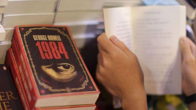 Libro 1984.