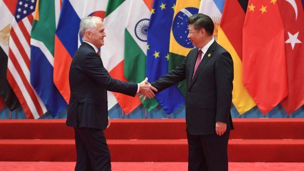 澳大利亞總理馬爾科姆·特恩布爾(左)與中國國家主席習近平