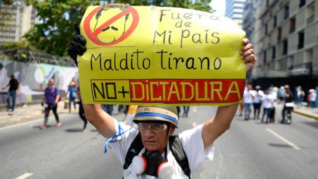 Pancarta contra Maduro.