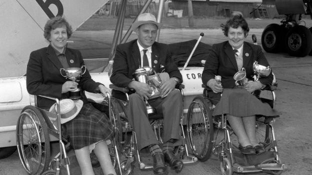 Atletas nos Jogos de Roma em 1960, quando competições para deficientes foram incorporadas