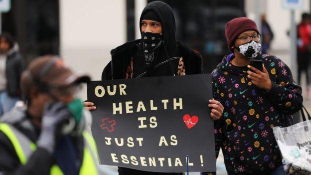 Protesta de trabajadores de Amazon en Nueva York.