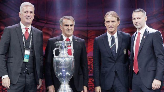 İsviçre Teknik Direktörü Vladimir Petkovic, Şenol Güneş, İtalya Teknik Direktörü Roberto Mancini ve Galler Teknik Direktörü Ryan Giggs