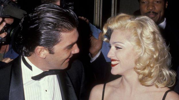 Antonio Banderas y Madonna en febrero de 1991.