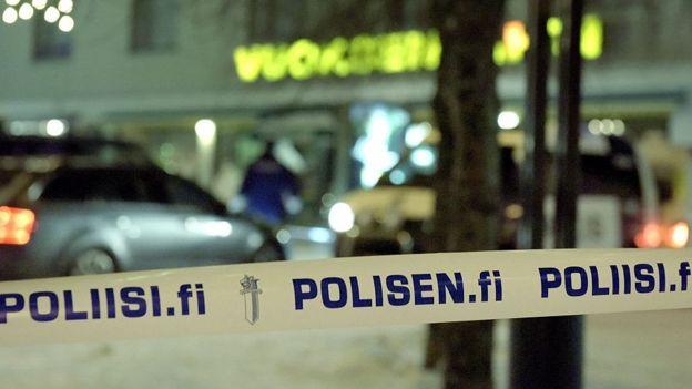 Finlandiya'da polis kordonu