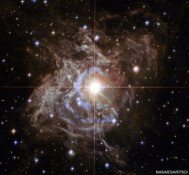 ดาวแปรแสงเซฟีดเป็นเสมือนเทียนมาตรฐาน (Standard candle) ของจักรวาล โดยใช้ความสว่างของมันเป็นหลักวัดระยะทางในห้วงอวกาศได้แม่นยำ