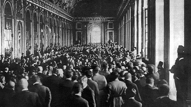 Cafodd tynged nifer o wledydd y Dwyrain Canol ar ôl y Rhyfel Byd Cyntaf ei benderfynu yn Versailles yn 1919
