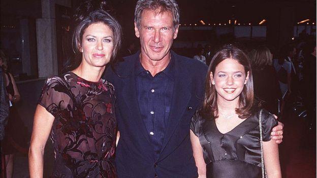 Harrison Ford, Wendy Crewson, y Liesel Matthews