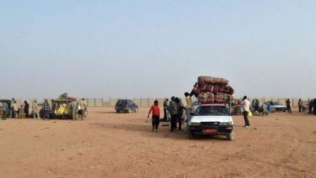 موت 52 مهاجرا في صحراء النيجر
