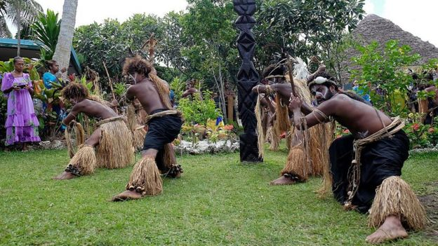 Danza ritual en Nueva Caledonia.
