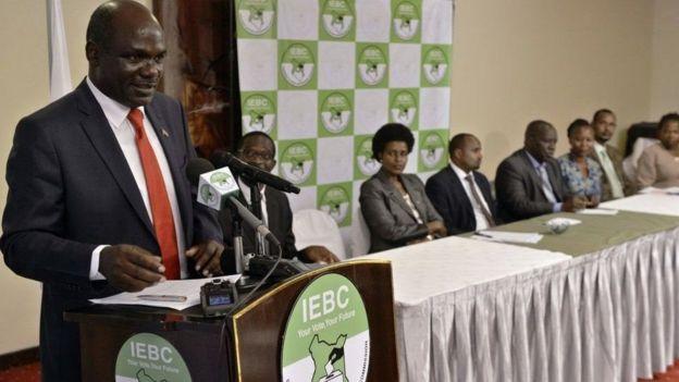 Mwenyekiti wa IEBC nchini Kenya Wafula ChebukatiHaki miliki ya pichaAFP
