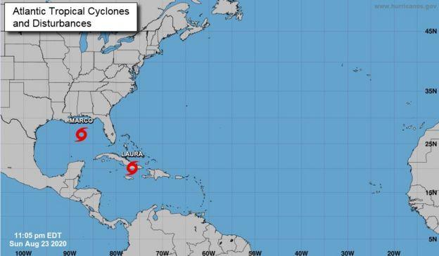 Un mapa que muestra la tormenta tropical Laura y el huracán Marco
