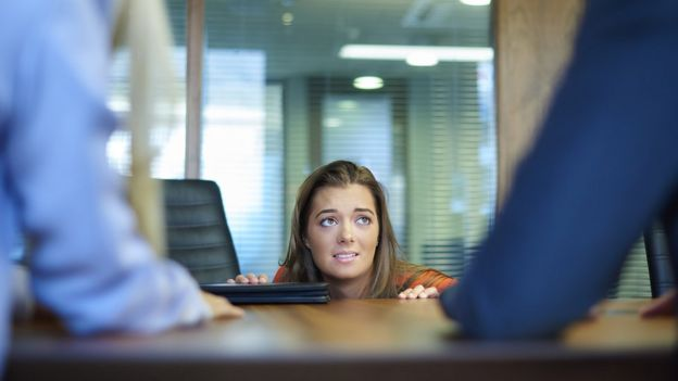 Mostrarte seguro es la clave para conversar con tu jefe sobre un posible aumento de sueldo.