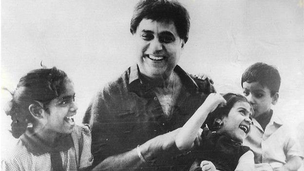جگجیت سنگھ اپنے بچوں کے ساتھ